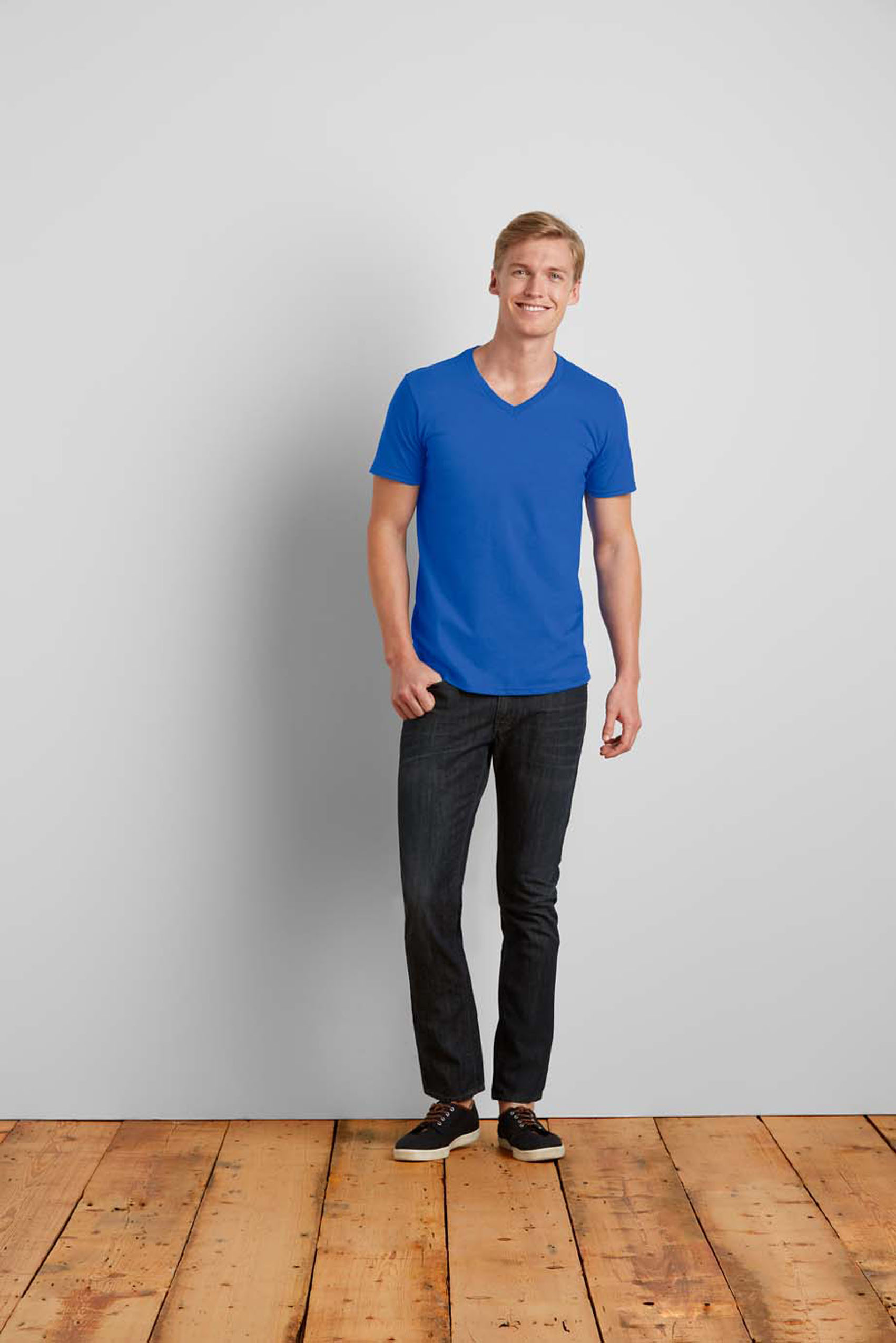 T-shirt v-neck Softstyle cotton for him