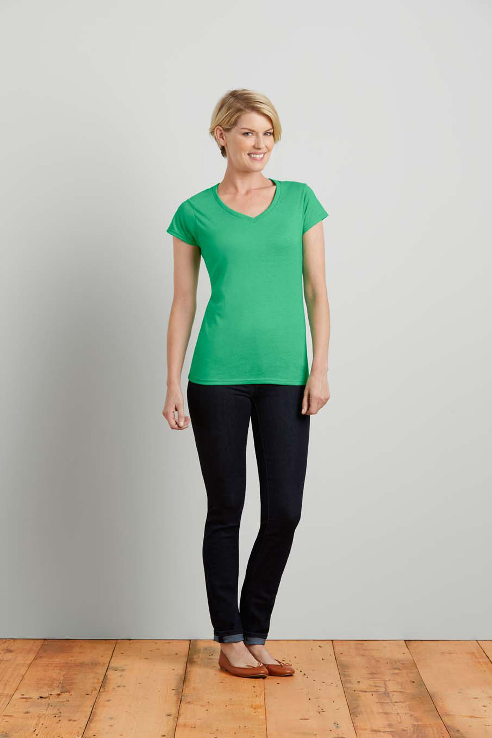 T-shirt v-neck Softstyle cotton for her